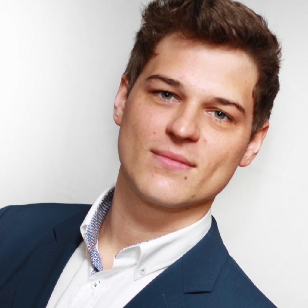 Julian Liebert, Vertriebsleiter